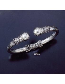 505/S L Impressive Sterling Silver Ball torc Bracelet