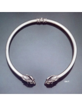 234/T XLarge Capricorn torc collar necklace