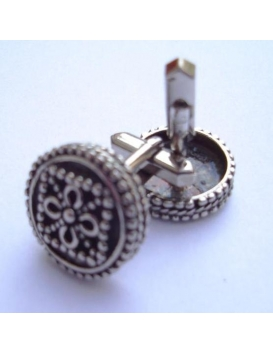 211 Round silver byzantine cufflinks